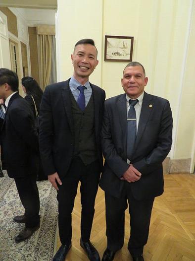 マーヒル先生と前日本大使館 金子広報文化センター 所長.png